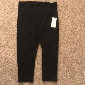 NWT Old Navy Active Crop High Rise Go Dry Leggings